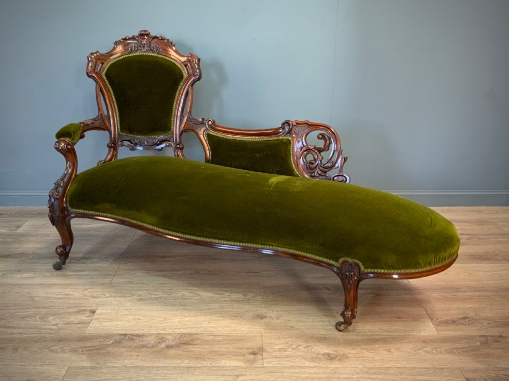 attractive high quality antique victorian walnut chaise longue
